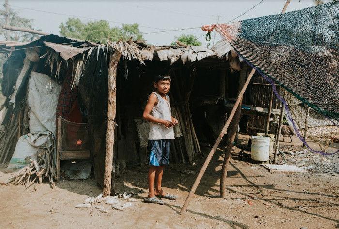 Habitantes de las casas impresas en 3D en pueblo de México