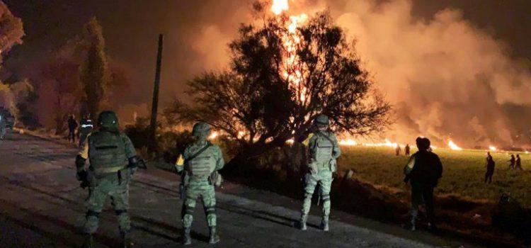 Al menos 21 muertos en ducto de combustible en México